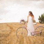 Reportatge natural amb l'Alba i la seva bicicleta rosa