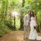 Paula i Carlos, una boda DIY amb núvia en tons marsala